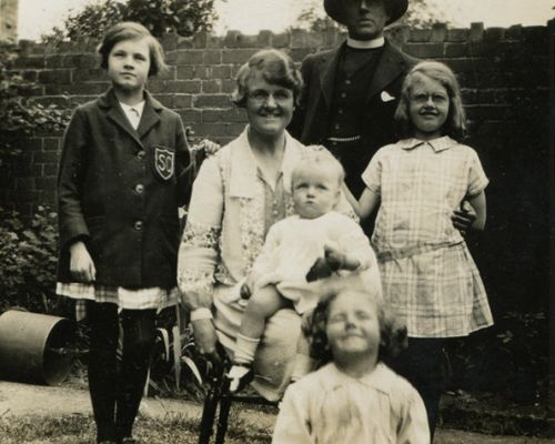 Bennett and Kitty Banks and four daughters circa 1926