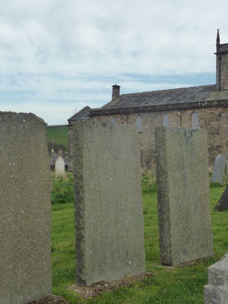 St-Bridgets-Churcch-and-3-Dalzell-graves_P1070749.jpg