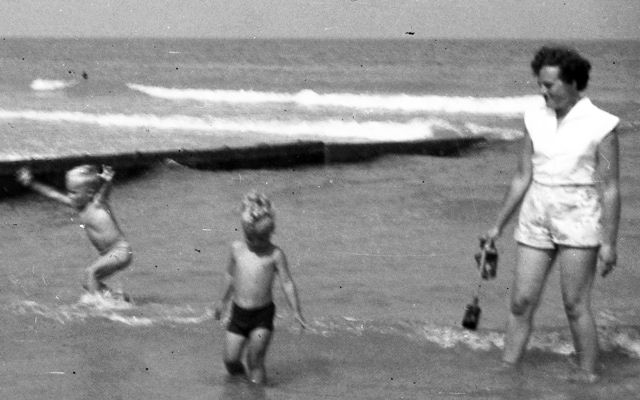 Family Seaside holiday 1959